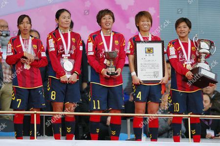 (L-R) Emi Nakajima, Homare Sawa, Megumi Takase, Asuna Tanaka, Shinobu Ono (Leonessa)