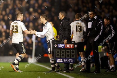 Scott Parker of Fulham replaces Jamie O?Hara during the Sky Bet Championship match between Fulham and Sheffield Wednesday played at Craven Cottage, London on January 2nd 2016