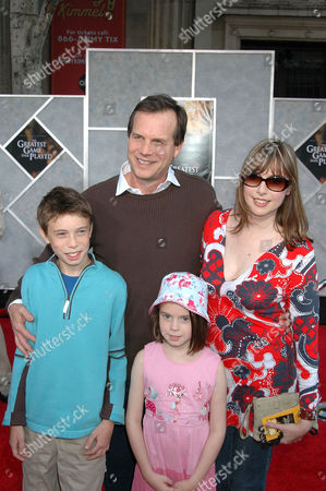 Bill Paxton with wife Louise Newbury and children James and Lydia