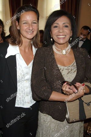 Cindy Lass and Shirley Bassey