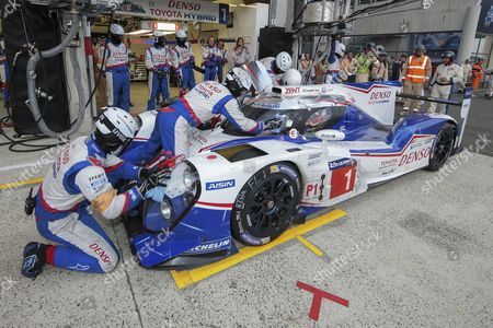 Pitstop of Toyota TS 040, hybrid from Toyota Racing, JPN, with drivers Alexander Wurz, AUT, Stephane Sarrazin, FRA, and Mike Conway, UK, Circuit de la Sarthe, Le Mans, France