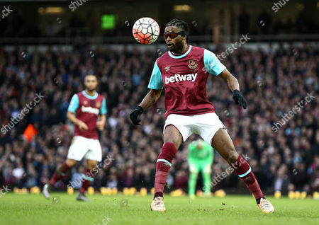 Alex Song of West Ham United  plays in protective goggles   during the Emirates FA Cup 3rd Round between West Ham United and Wolverhampton Wanderers    played at Boleyn Ground on 9th January 2016 in London