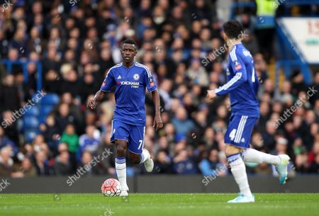 Ramires of Chelsea runs with the ball