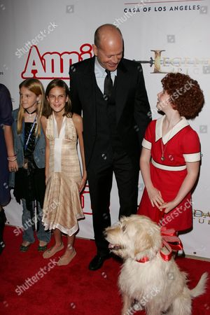 Editorial photo of 'ANNIE' MUSICAL OPENING NIGHT, PANTAGES THEATER, HOLLYWOOD, AMERICA - 04 OCT 2005