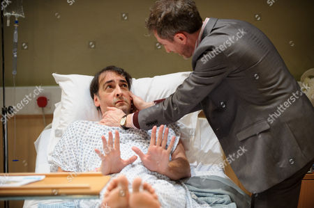 '4000 Days', by Peter Quilter, at the Park Theatre. Directed by Matt Aston and starring Alistair McGowan ( Michael), Maggie Ollerenshaw (Carol) and Daniel Weyman (Paul)