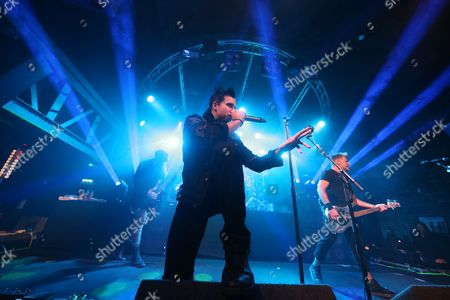 Three Days Grace - Barry Stock, Matt Walst and Brad Walst