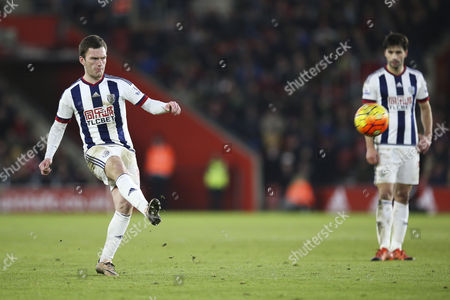 Craig Gardner of West Bromwich Albion free kick