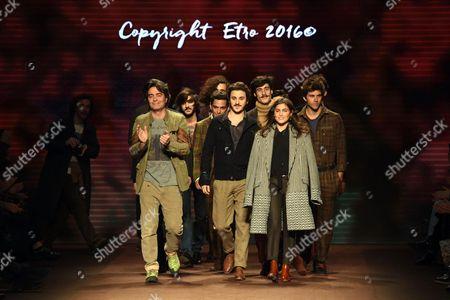 Veronica Etro and designing team on the catwalk