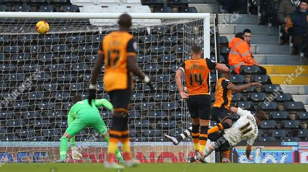 Alex Kacaniklic of Fulham almost scores after closing down a clearance during the Sky Bet Championship match between Fulham and Hull City played at Craven Cottage, London on 23rd January 2016