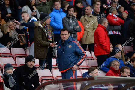 Stock Picture of Steve Harper of Sunderland takes his seat during the Barclays Premier League match between Sunderland and Bournemouth played at Stadium of Light, Sunderland, on the 23rd January 2016