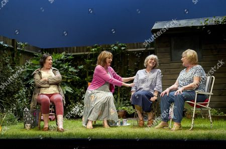 Linda Bassett as Mrs Jarrett, Deborah Findlay as Sally, Kika Markham as Lena, June Watson as Vi