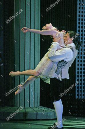 'Le Parc' by Angelin Preljocaj - Paris Opera Ballet at Sadlers Wells - Aurelie Dupont and Laurent Hilaire - Oct 2005