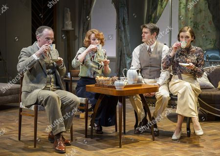 Richard Teverson as Victor, Laura Rogers as Amanda, Tom Chambers as Elyot, Charlotte Ritchie as Sybil