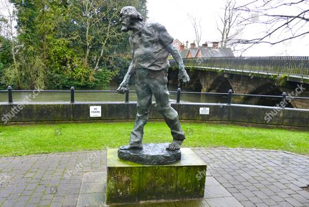 'The King of Bohemia' statue of Augustus John by Ivor Roberts-Jones, Fordingbridge, Hampshire, Britain