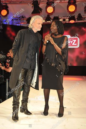 Dr Hermann Buhlbecker, Dr Auma Obama