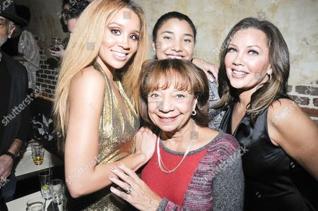 (L-R) Singer Jillian Hervey, Helen Williams, Sasha Gabriella Fox, and Vanessa Williams