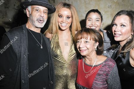 (L-R) Ramon Hervey II, Singer Jillian Hervey, Helen Williams, Sasha Gabriella Fox, and Vanessa Williams