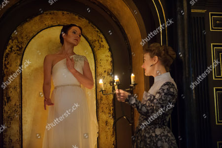 Stock Picture of Rachael Sterling (Hermione) and Niamh Cusack (Paulina)