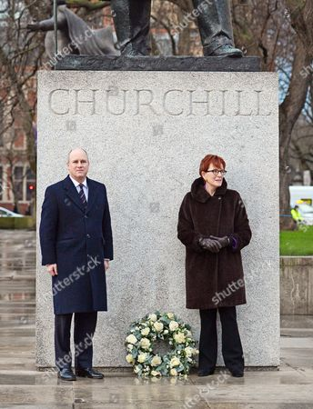 Stock Image of Randolph Churchill (left) And Celia Sandys Lay A Wreath At The Churchill Statue In Parliament Square.