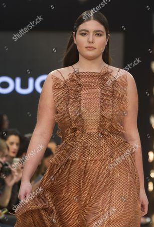 Alessandra Garcia-Lorido on the catwalk