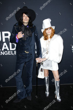 Linda Ramone with guest