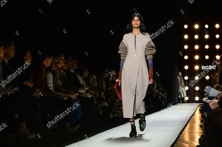 Bhumika Arora on the catwalk