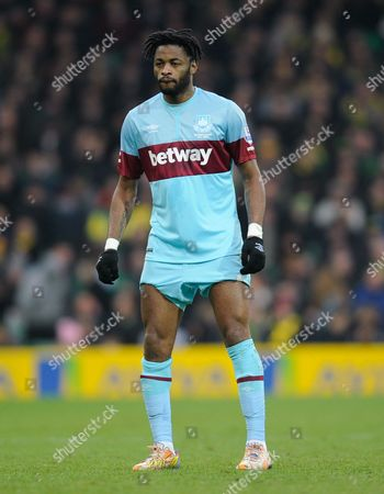 Alex Song of West Ham United during the Barclays Premier League match between Norwich City and West Ham United played at Carrow Road, Norwich on February 13th, 2016