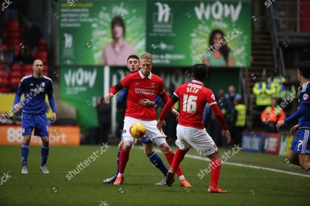 Charlton Athletic striker, Simon Makienok (9) holding up the ball during the Sky Bet Championship match between Charlton Athletic and Cardiff City at The Valley, London
