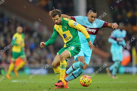 Dimitri Payet of West Ham United skips past Gary O'Neil of Norwich City - Norwich City v West Ham United, Barclays Premier League, Carrow Road, Norwich. 13 Feb 2016