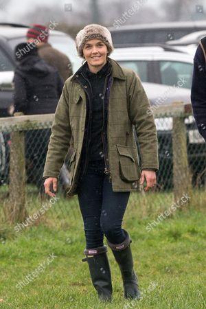 Victoria Pendleton walking the course