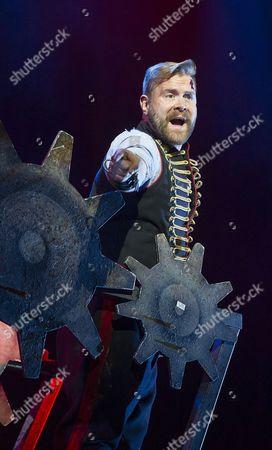 Daniel Bedingfield as The Artilleryman