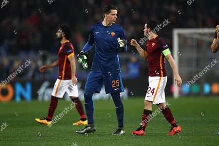 Stock Picture of Bogdan Lobont of Roma and Alessandro Florenzi of Roma  during the UEFA Champions League Round of 16 First Leg match between Roma and Real Madrid    played at the Stadio Olimpico  , 17th February 2016 in Rome