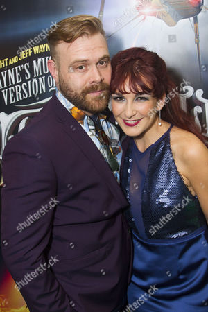 Stock Picture of Daniel Bedingfield (The Artilleryman) and Madalena Alberto (Carrie)