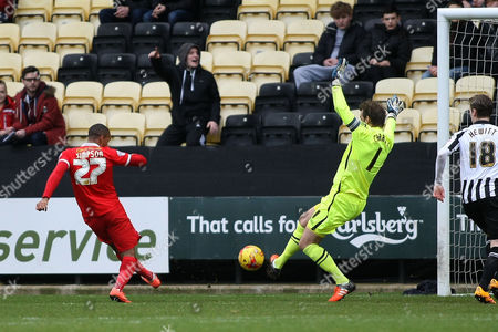 Roy Carroll does well to keep out Jay Simpson