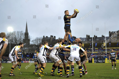 Dominic Day of Bath Rugby wins the ball at a lineout