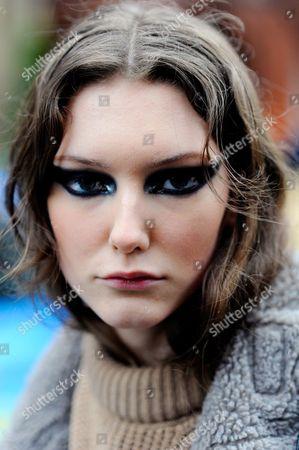 Model Allyson Chalmers after Julian Mcdonald