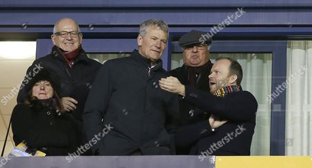 EDWARD WOODWARD [RT] AND DAVID GILL AND DIRECTOR MIKE EDDLESTONE ON LEFT