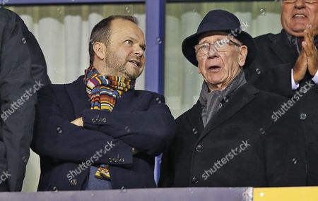 EDWARD WOODWARD  AND BOBBY CHARLTON [RT]