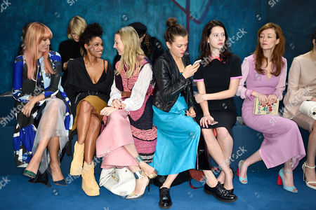Amber Le Bon, Lianne La Havas, Alice Naylor-Leyland, Morgane Polanski, Jessamine-Bliss Bell and Audrey Marnay in the front row