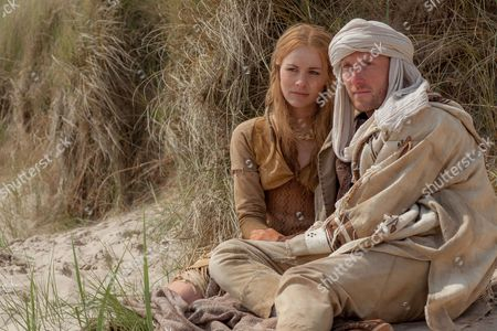 EPISODE 5 Pictured: OLIVIA CHENERY as Mara and SAM HOARE as Rowan