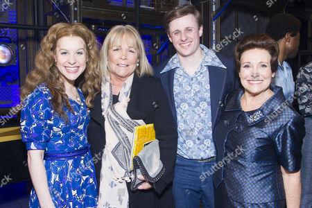 Cassidy Janson (Carole King), Linda Robson, Alan Morrissey (Gerry Goffin) and Diane Keen (Genie Klein) backstage