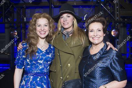 Cassidy Janson (Carole King), Tamzin Outhwaite and Diane Keen (Genie Klein) backstage