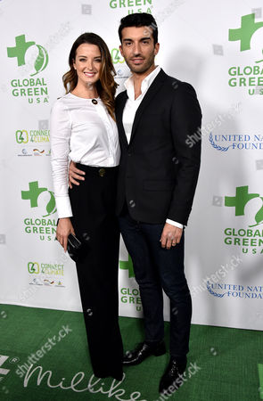 Emily Foxler and Justin Baldoni
