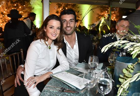 Stock Image of Emily Foxler and Justin Baldoni