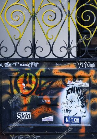 Graffiti on Serge Gainsbourg's house, at 5 rue de Verneuil in Paris