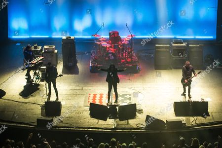 The Cult - Mike Dimkich, Chris Wyse, Ian Astbury, John Tempesta and Billy Duffy
