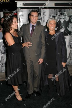 Stock Picture of Joaquin Phoenix, Liberty Phoenix and mom Arlyn Phoenix