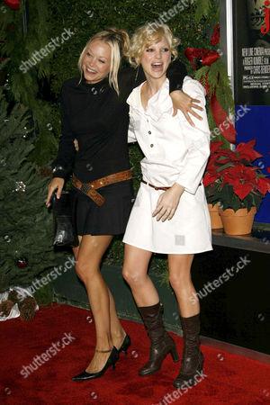 Anna Faris and Alexandra Holden