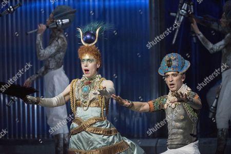 Rebecca Bottone as Horemhab, Anthony Roth Costanzo as Akhnaten,
