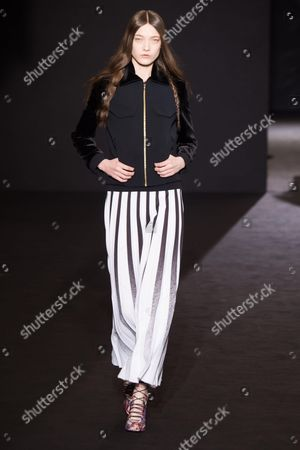 Yumi Lambert on the catwalk